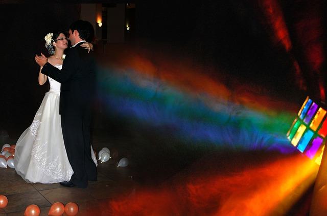wedding-1067934_640